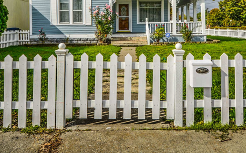 home-fence-cleaning-service-baker-home-solutions